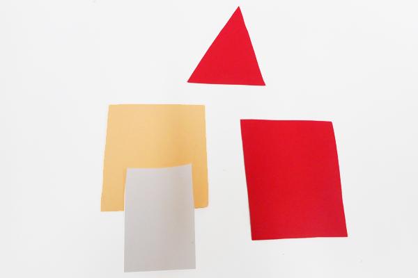 サンタクロースのパーツ用の画用紙
