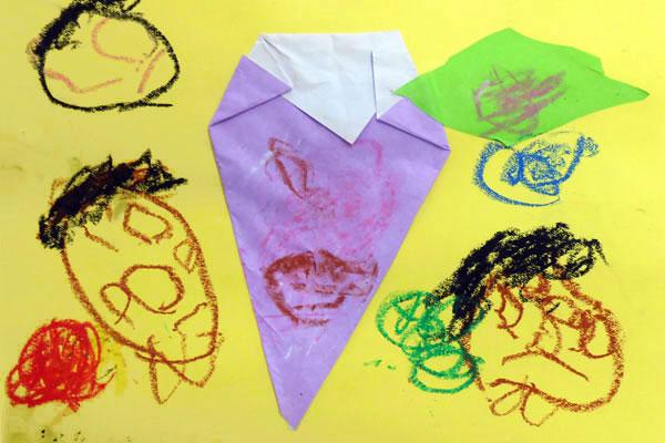 折り紙「ぶどう」(3歳児)
