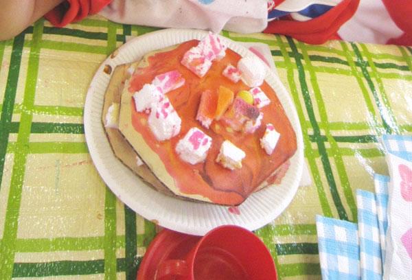 飾って!ぬって!ケーキをつくろう(3歳児)