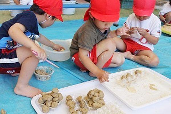 土粘土で遊ぼう!(3歳児)