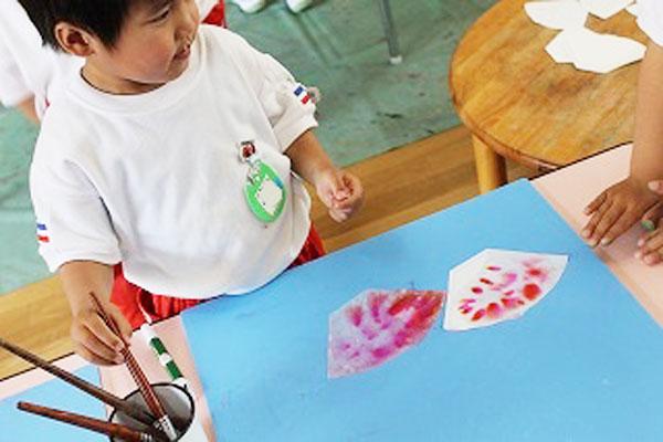 描いて・にじんで・色がでたよ!(3歳児)