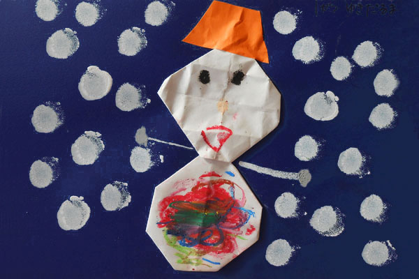 おりがみ「雪だるま」(3歳児)