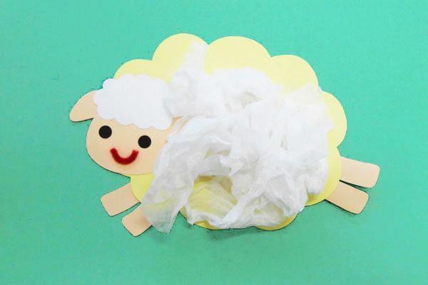 壁掛け製作「ひつじ」(0歳児