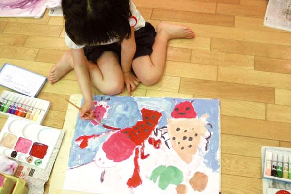 ザリガニをかこう (3、4歳児)
