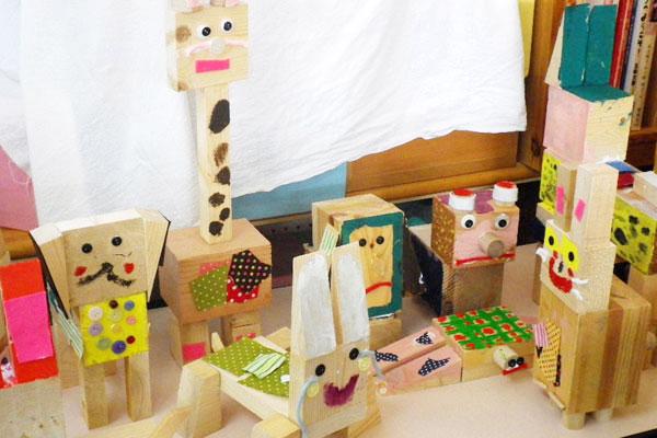 木片を使った動物や人形(4歳児,5歳児)