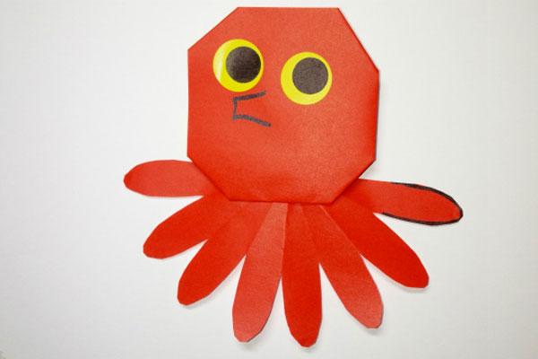 折り紙「海のともだち①たこ」(3歳児)