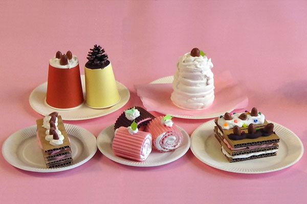 ホイップクリーム粘土でスイーツ作り②ケーキ