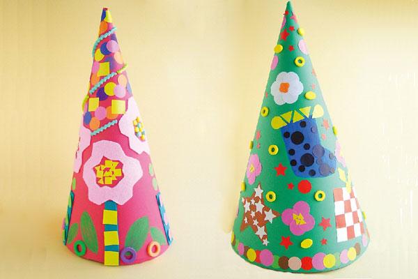 シールでクリスマスツリー(1歳児,2歳児)