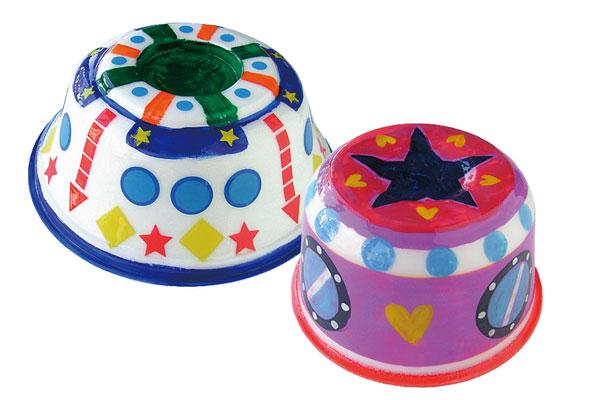 リサイクル容器でUFOを作ろう!(3,4歳児)