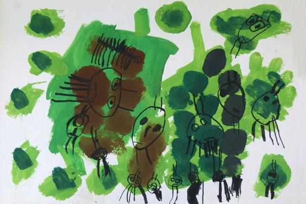 絵の具との出会いを楽しむ②「葉っぱを食べる虫」(4歳児)