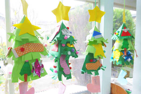 素敵なクリスマスツリーをつくろう(5歳児)