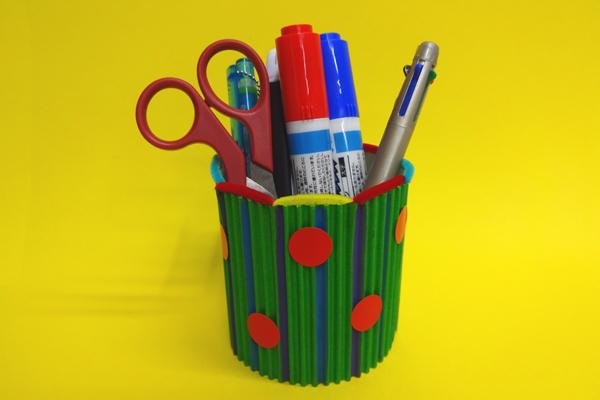 卒園のプレゼント「ペン立て・小物入れ」(3,4歳児)
