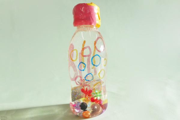 ペットボトルのキラキラ☆ドーム (1歳児)