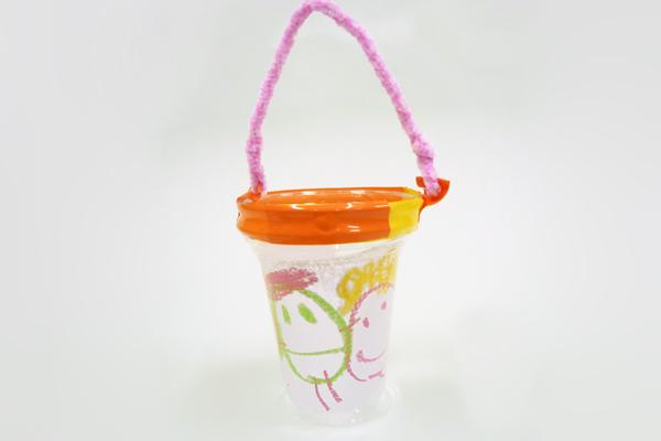 おさんぽカップでおでかけ(2歳児)