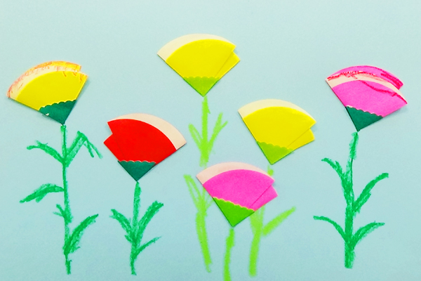 お花が咲いたよ ~はじめての折り紙あそび~