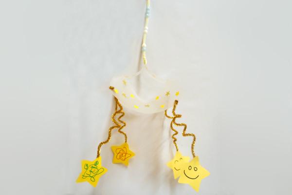 キラキラ星のゆれる飾り(1歳児)