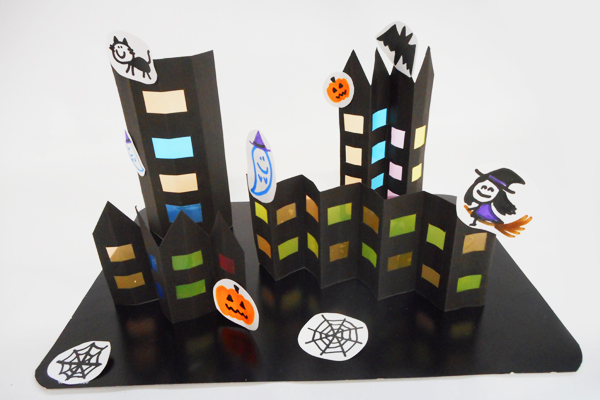 ようこそ!ハロウィン 夜の町へ(5歳児)